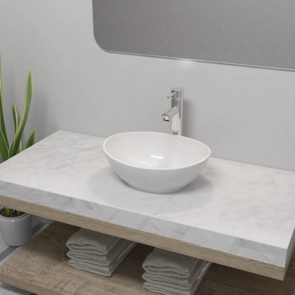 Badeværelseshåndvask med blandingsbatteri keramik oval hvid